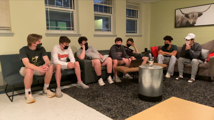 Harris House seniors gather to discuss this unusual year.